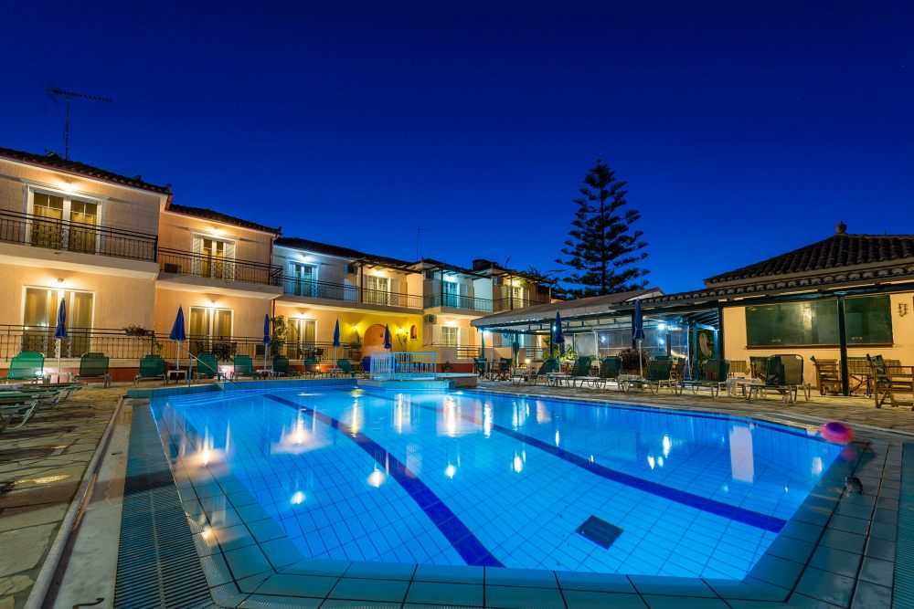 swimming pool rooms for rent tsilivi zante zakynthos